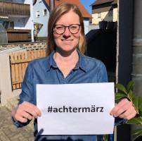 Die SPD-Vorsitzende Nicole Bäumler zeigt Gesicht für Gleichberechtigung.