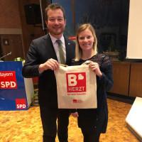 Bürgermeisterkandidatin Nicole Bäumler mit Generalsekretär der BayernSPD Uli Grötsch