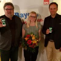"""Fraktionsvorsitzender Walther Piehler (links) und zweiter SPD-Chef Christoph Schiesl (rechts) stehen hinter Nicole Bäumlers Kandidatur und dem Thema """"Notfalldose""""."""